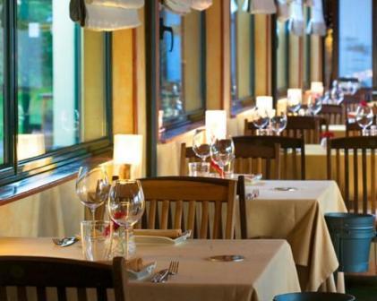 restaurantum.com_-_Restaurant_A_Estación_Cambre_Coruña_-_Comedor_principal[2].jpg